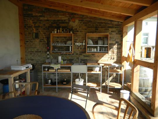 sundowner. Black Bedroom Furniture Sets. Home Design Ideas